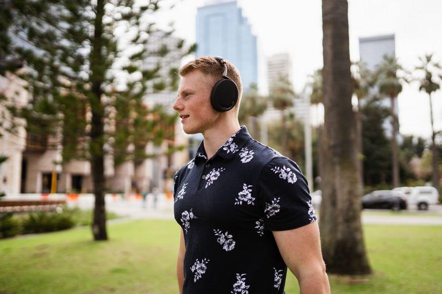Polska: Słuchawki bezprzewodowe – jak wybrać sprzęt dla sportowca?