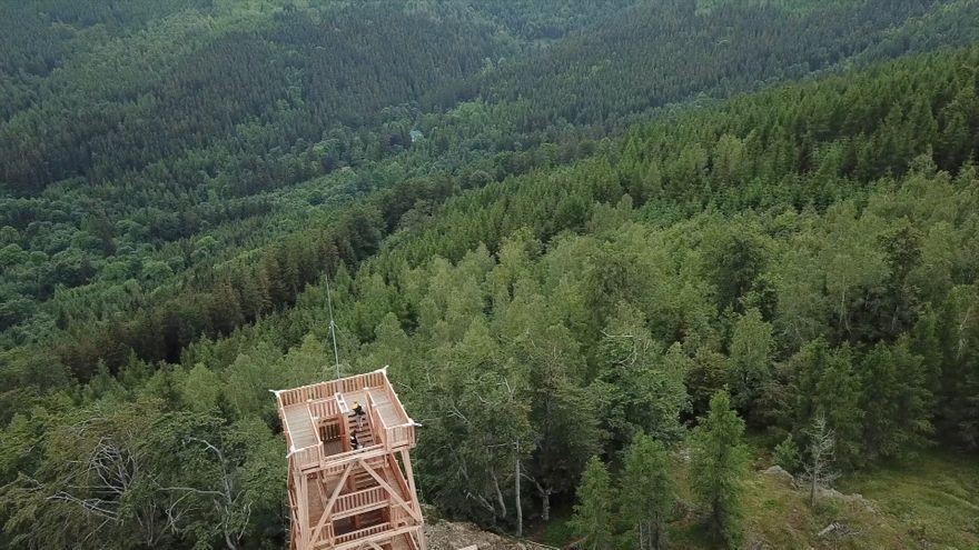Jelenia Góra: Wieża widokowa na Czerniawskiej Kopie