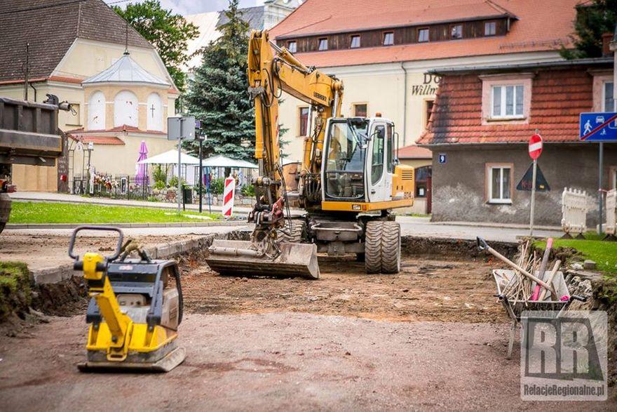 Krzeszów: Remont drogi przy CBK w Krzeszowie