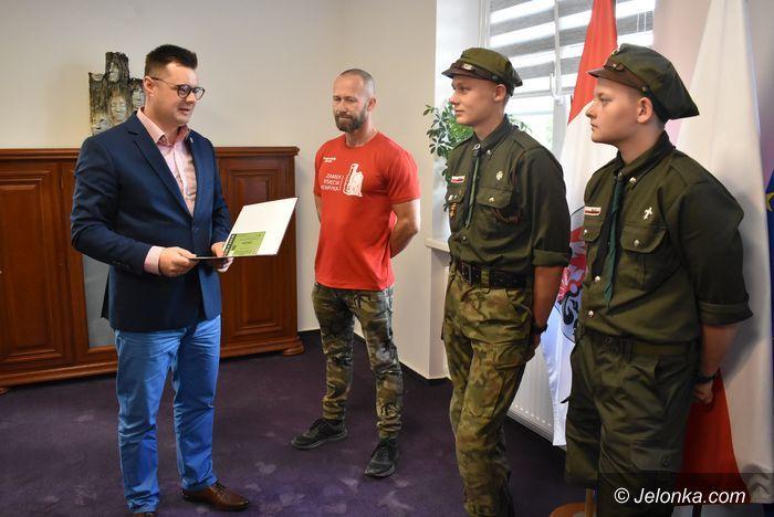 Jelenia Góra: Harcerze ratowali turystę
