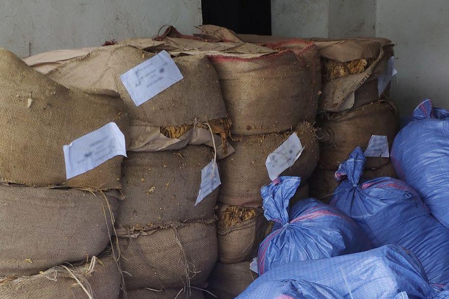 Region: Cios w producentów nielegalnych papierosów
