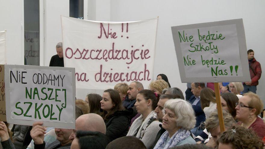 Jelenia Góra: Spór o szkołę w Sosnówce się zaostrza