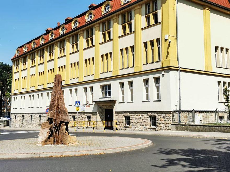 Bolesławiec: Remont w ogólniaku