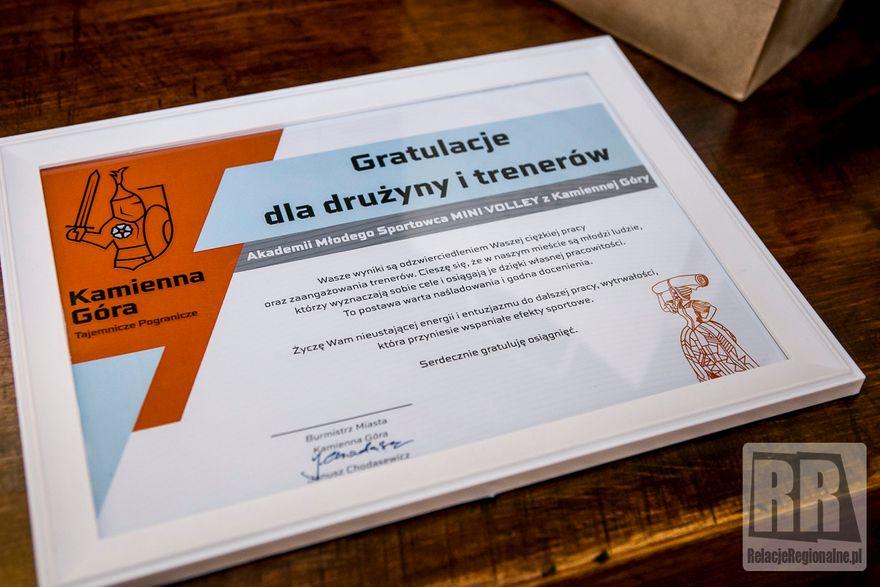 Kamienna Góra: Burmistrz spotkał się z siatkarzami Mini Volley