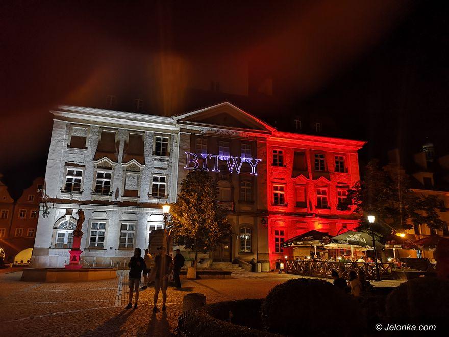 Jelenia Góra: Patriotyczne animacje na Ratuszu i Teatrze Norwida