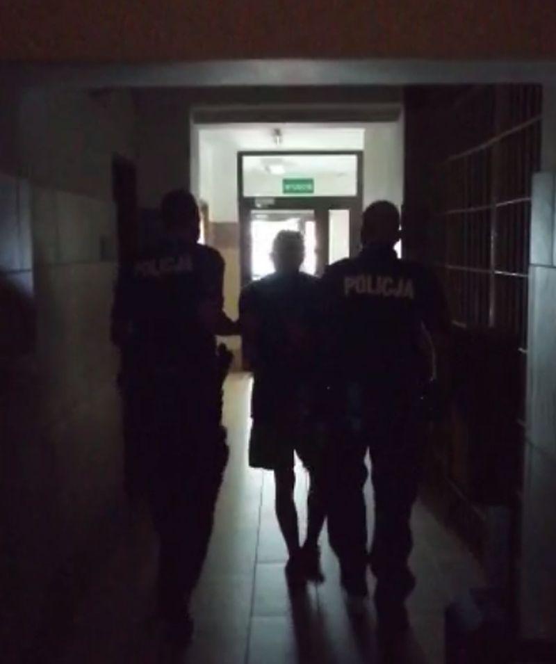 Jelenia Góra: Podejrzany o rozbój wpadł w ręce policji