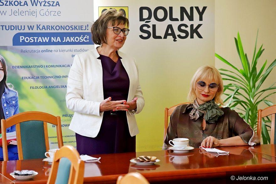 Jelenia Góra: Dyskutowali w KPSW o zawodach medycznych