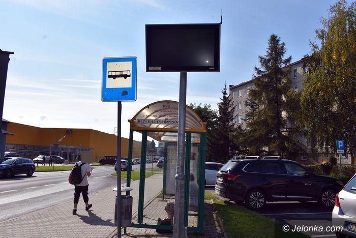 Jelenia Góra: Kiedy naprawią tablicę?
