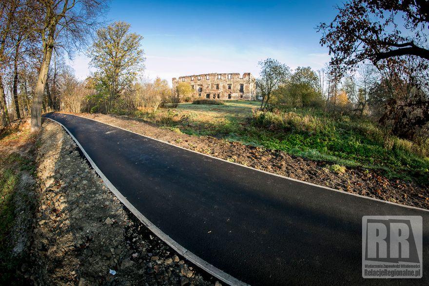 Kamienna Góra: Trwa budowa odnogi ścieżki rowerowej
