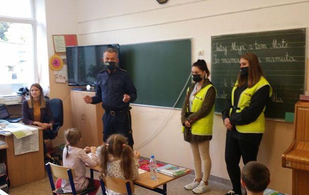 Jelenia Góra: Koronawirus: akcja straży miejskiej wśród dzieci