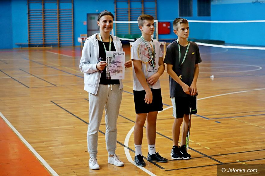 Jelenia Góra: SP 3 zwycięska w badmintonie
