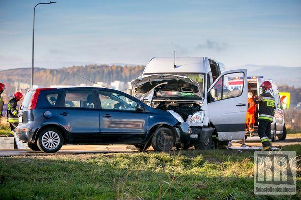 Kamienna Góra: Zderzenie dwóch aut