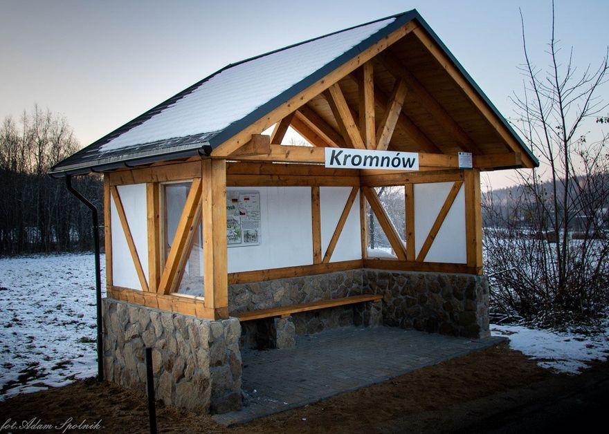 Stara Kamienica: Są nowe wiaty przystankowe