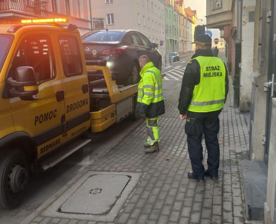 Jelenia Góra: Nie zwracają uwagi na znaki drogowe
