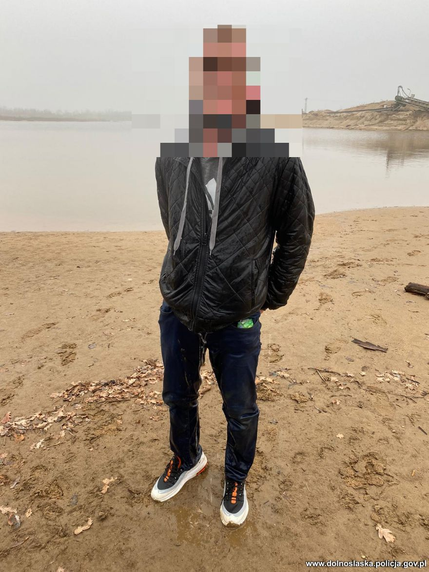 Rakowice Wielkie: Uciekł przed pogonią do wody, ale była za zimna