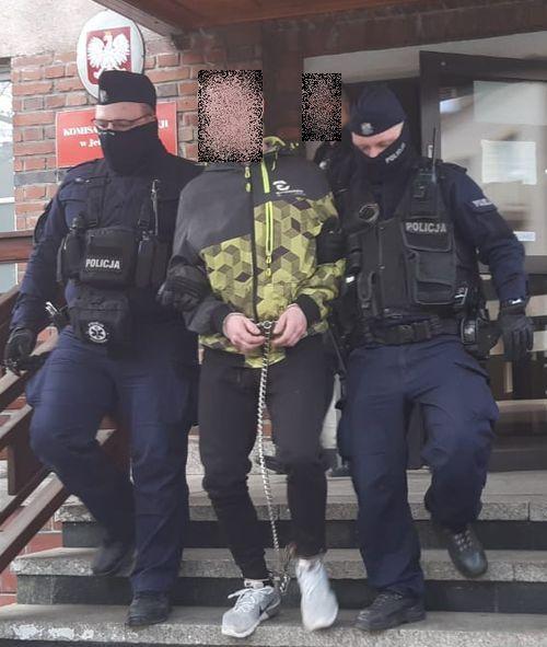 Jelenia Góra: Napadli na listonosza – zostali zatrzymani