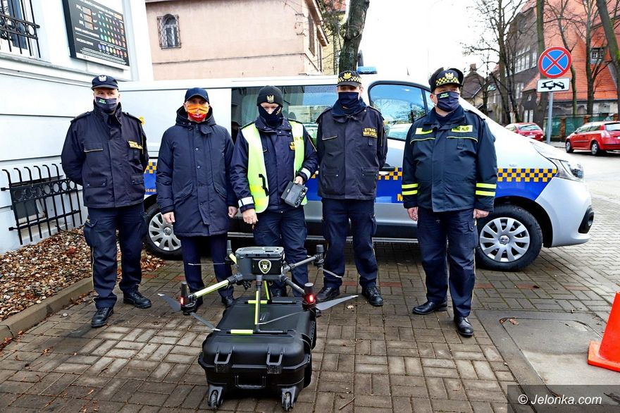 Jelenia Góra: SM z dronem antysmogowym