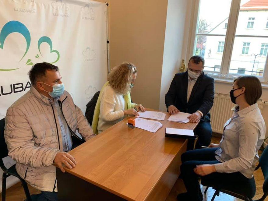 Gmina Lubawka: Wiaty dla turystów