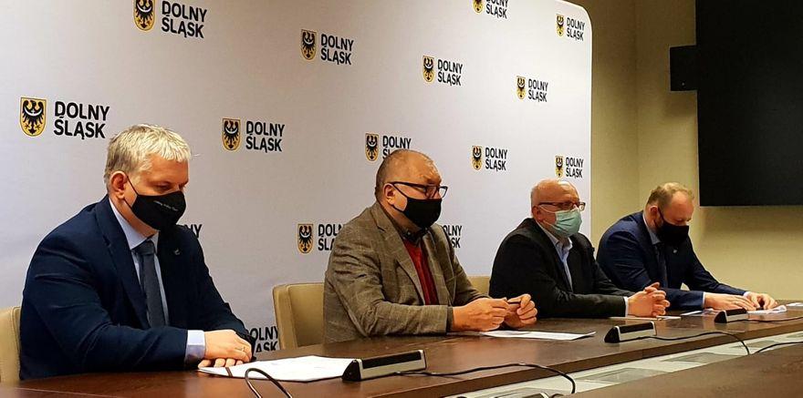 Region: Bezpartyjni Samorządowcy: Rząd łamie swoje obietnice