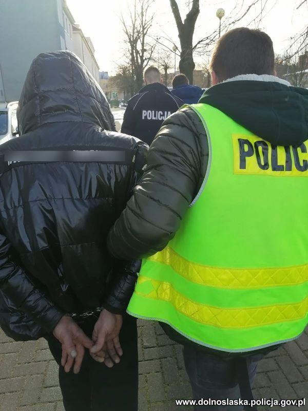 Zgorzelec: Zatrzymania złodziei aut