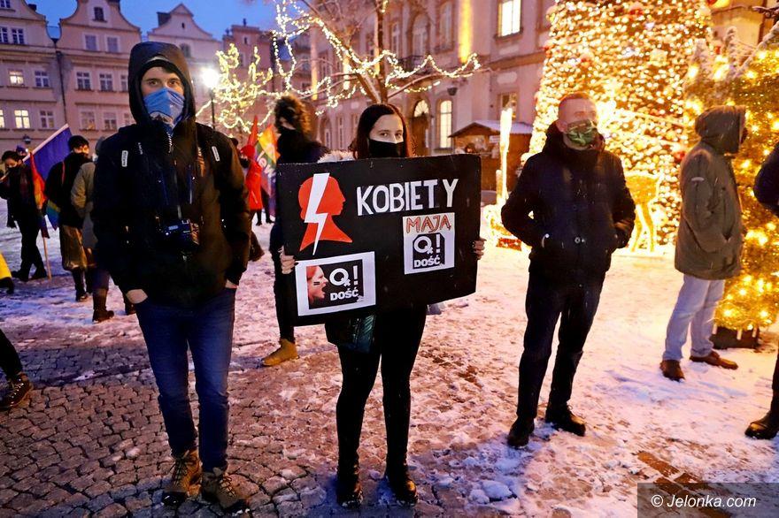 Jelenia Góra: Protesty wznowione po publikacji wyroku w sprawie aborcji