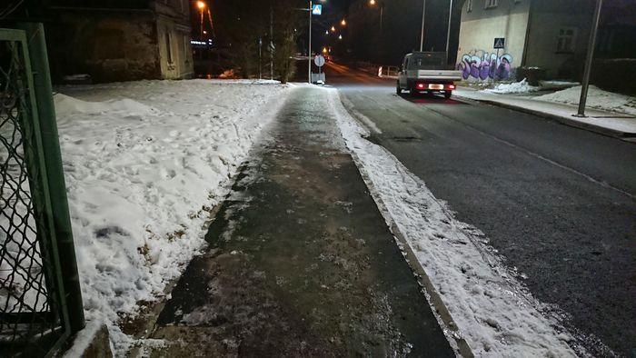 Jelenia Góra: Chodnik już bezpieczny