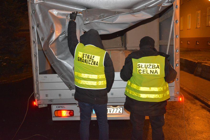 Region: Nielegalny tytoń został przejęty na autostradzie