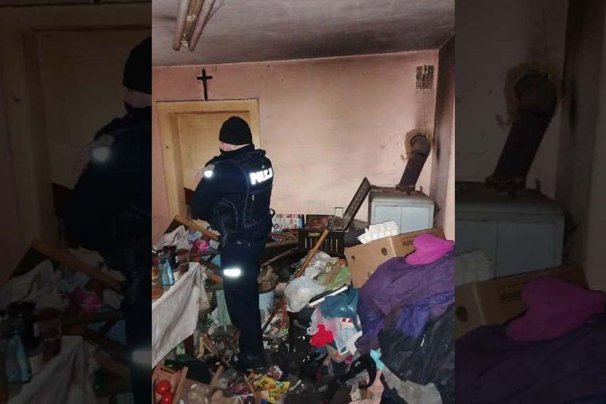 Kamienna Góra: Policjanci uratowali starszą panią przed zamarznięciem