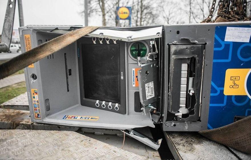 Jelenia Góra: Zapadł wyrok za włamania do bankomatów