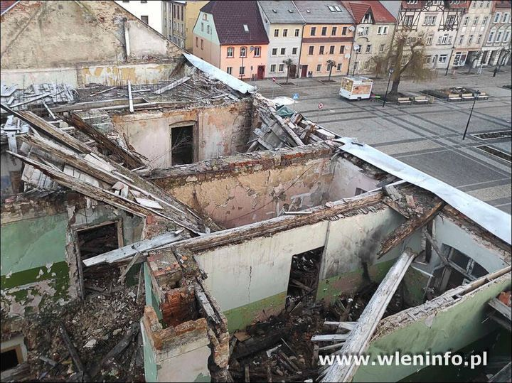 Wleń: Runął szczyt budynku
