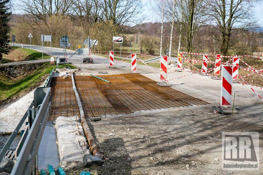 Gmina Lubawka: Remontują most