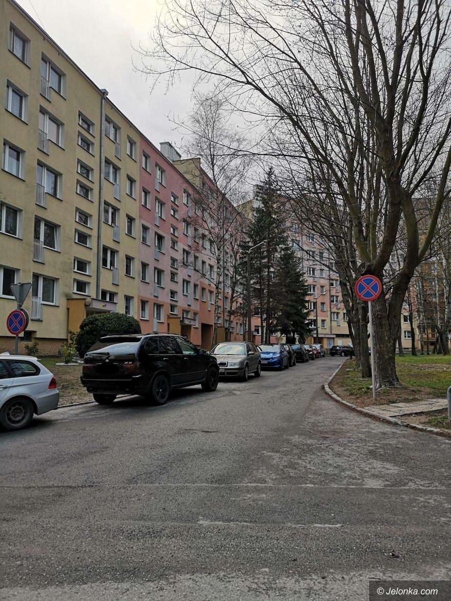 Jelenia Góra: Spór o miejsca parkingowe