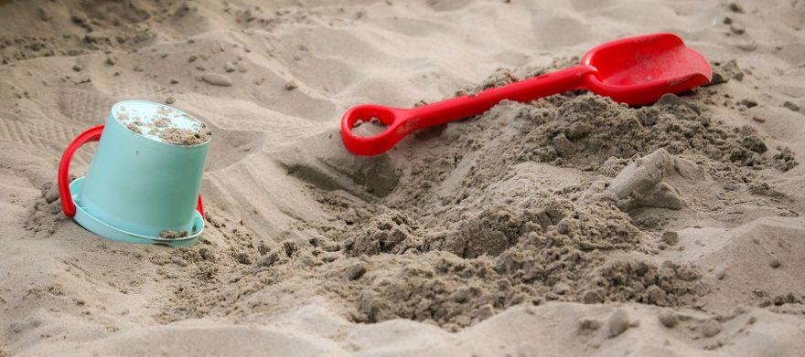 Jelenia Góra: Chciał ukraść piasek z piaskownicy