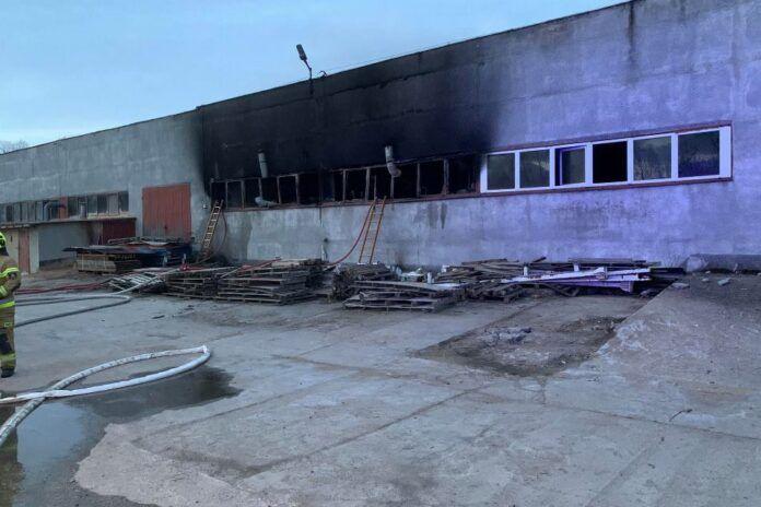 Gryfów Śląski: Nocny pożar w klejowni