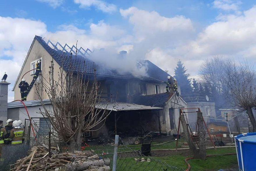 Rębiszów: Spłonął rodzinny dom dziecka w Rębiszowie