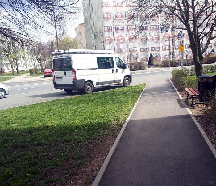 Jelenia Góra: Tak nie wolno parkować!