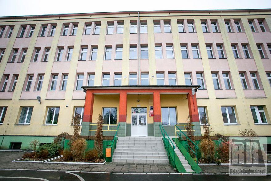 Kamienna Góra: Przebudują dawną szkołę