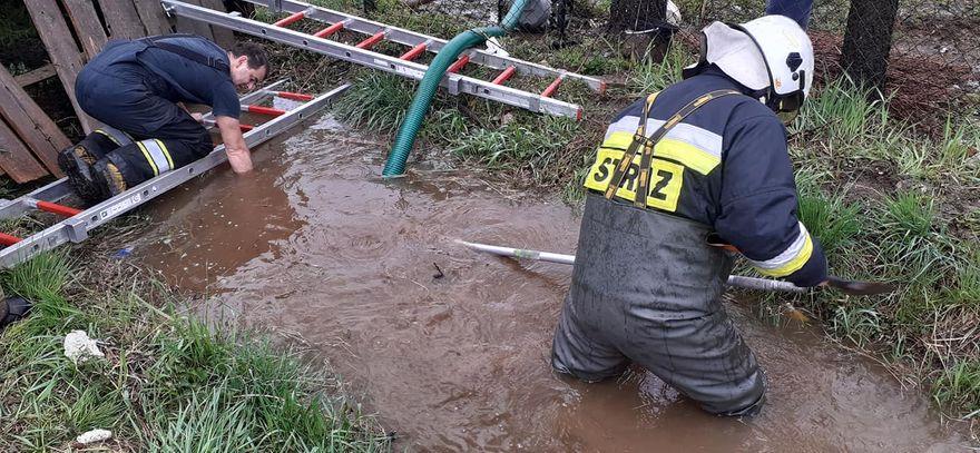 Powiat: Pada w regionie – strażacy interweniują