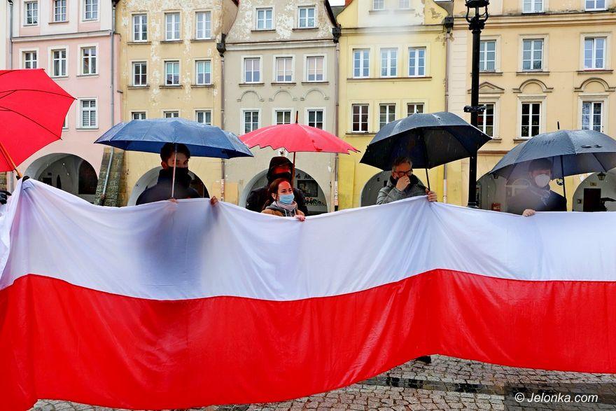 Jelenia Góra: Święto flagi symbolicznie
