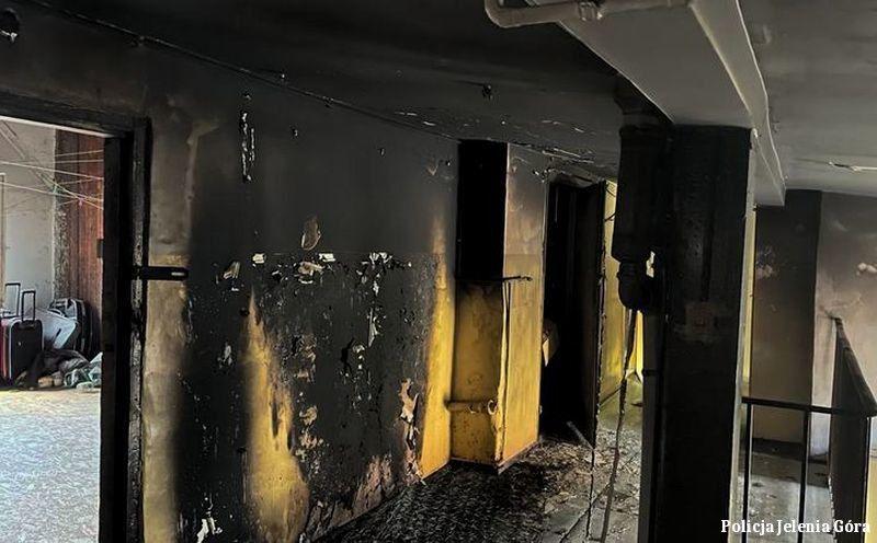 Jelenia Góra: Podpalił materac na klatce schodowej w kamienicy