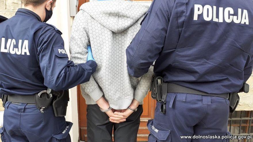 Region: Areszt za wymuszenia rozbójnicze