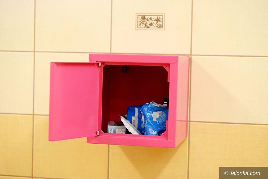 Jelenia Góra: Różowa skrzyneczka dla uczennic