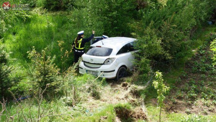 Zaręba: Auto wypadło z drogi