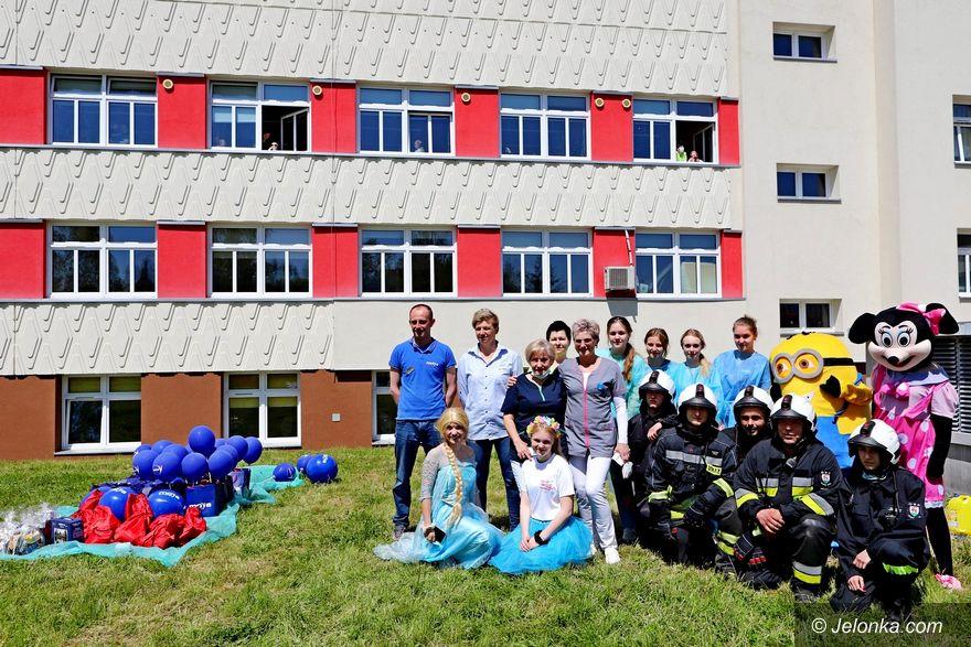 Jelenia Góra: Mali pacjenci obdarowani