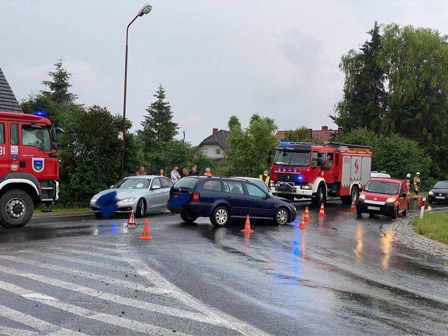 Jeżów Sudecki: Zderzenie dwóch aut
