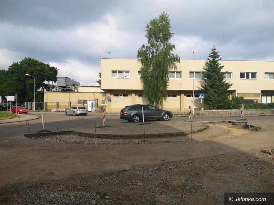 Jelenia Góra: Przystąpili do budowy ronda