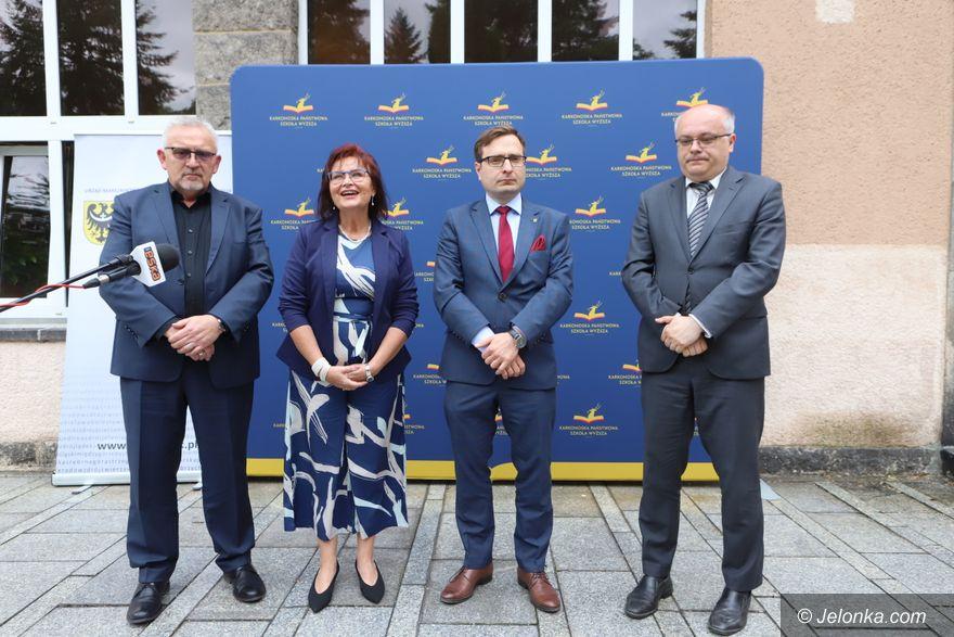 Jelenia Góra: Marszałkowskie stypendia dla studentów pielęgniarstwa