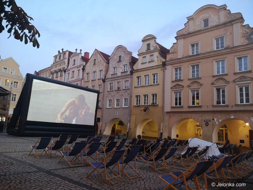 Jelenia Góra: Letnie kino plenerowe na Placu Ratuszowym