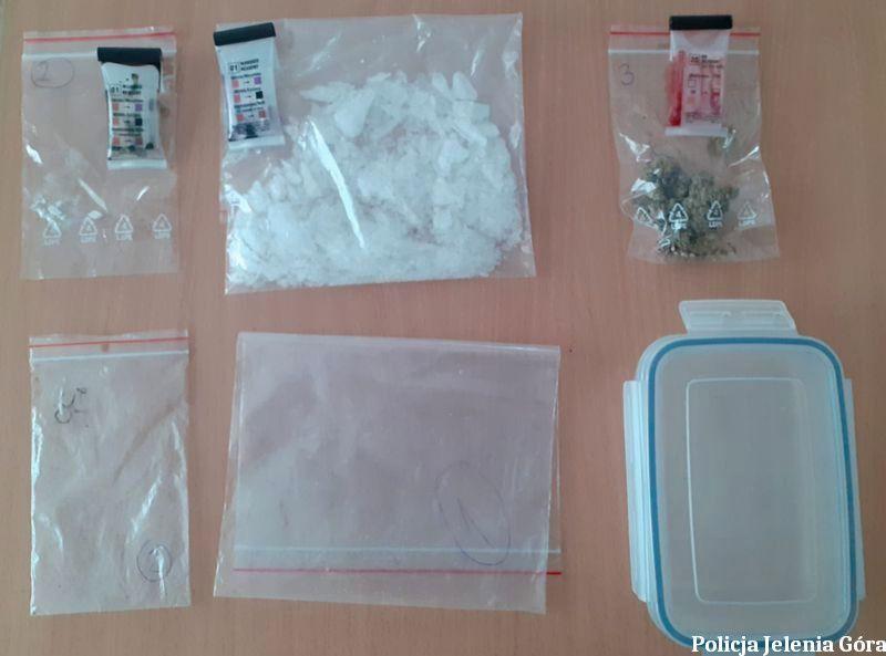Jelenia Góra: 1000 porcji narkotyków nie trafi na rynek