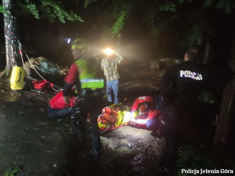 Szklarska Poręba: Turysta w górach spadł z punktu widokowego